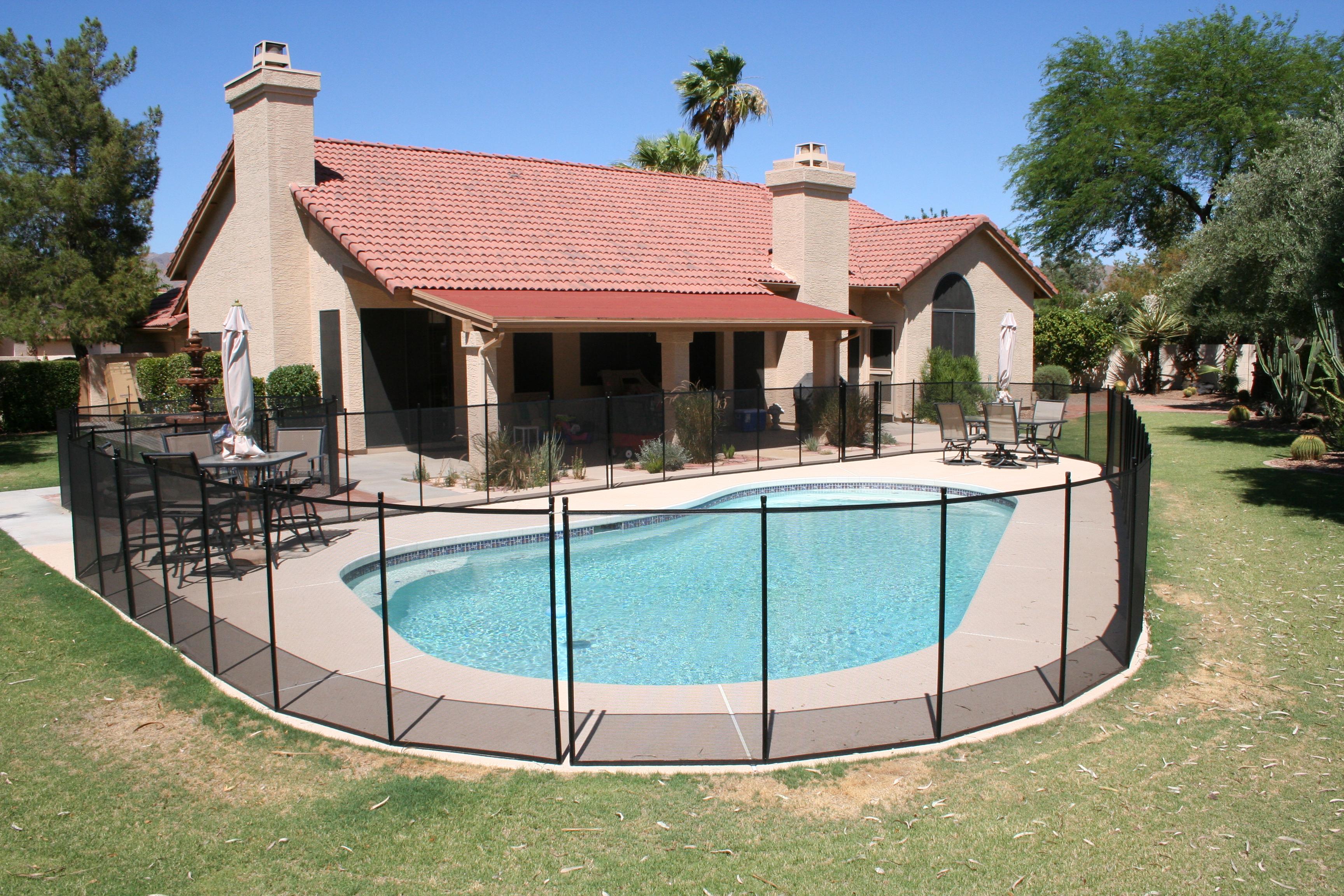 Pool safety fence barrier manufacturer